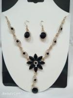 ELEGANT FLOWER DESIGN SET [NECKLACE +EARRING+free gift box]