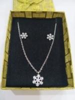 NECKLACE+EARRING(set)( ready stock) Shiny Women Jewelry Set