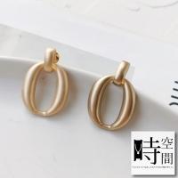 """(時空間)""""Time and Space"""" will be stylish matte matte metal geometric irregular shape earrings-oval double loop"""