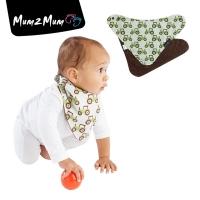 Mum 2 Mum 雙面時尚造型口水巾圍兜-拖拉機巧克力