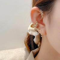 (charme)Charme Korean fashion temperament full of leaf shape ear hook + ear pin earrings