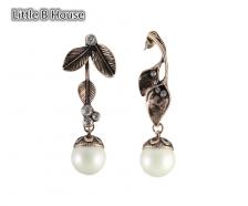 Vintage Gold Leaves Artificial Pearl Alloy Earrings 5.9cm - ER154