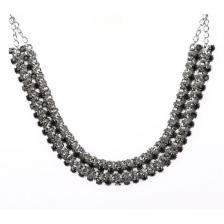 Elegante Statement Necklace in Black