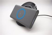 Wireless power bank Full 8000mAh capacity built in Qi receiver