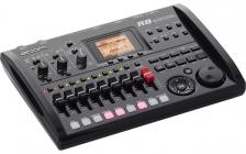 Zoom R8 (8-Track Digital Recorder/Interface/Controller/Sampler)